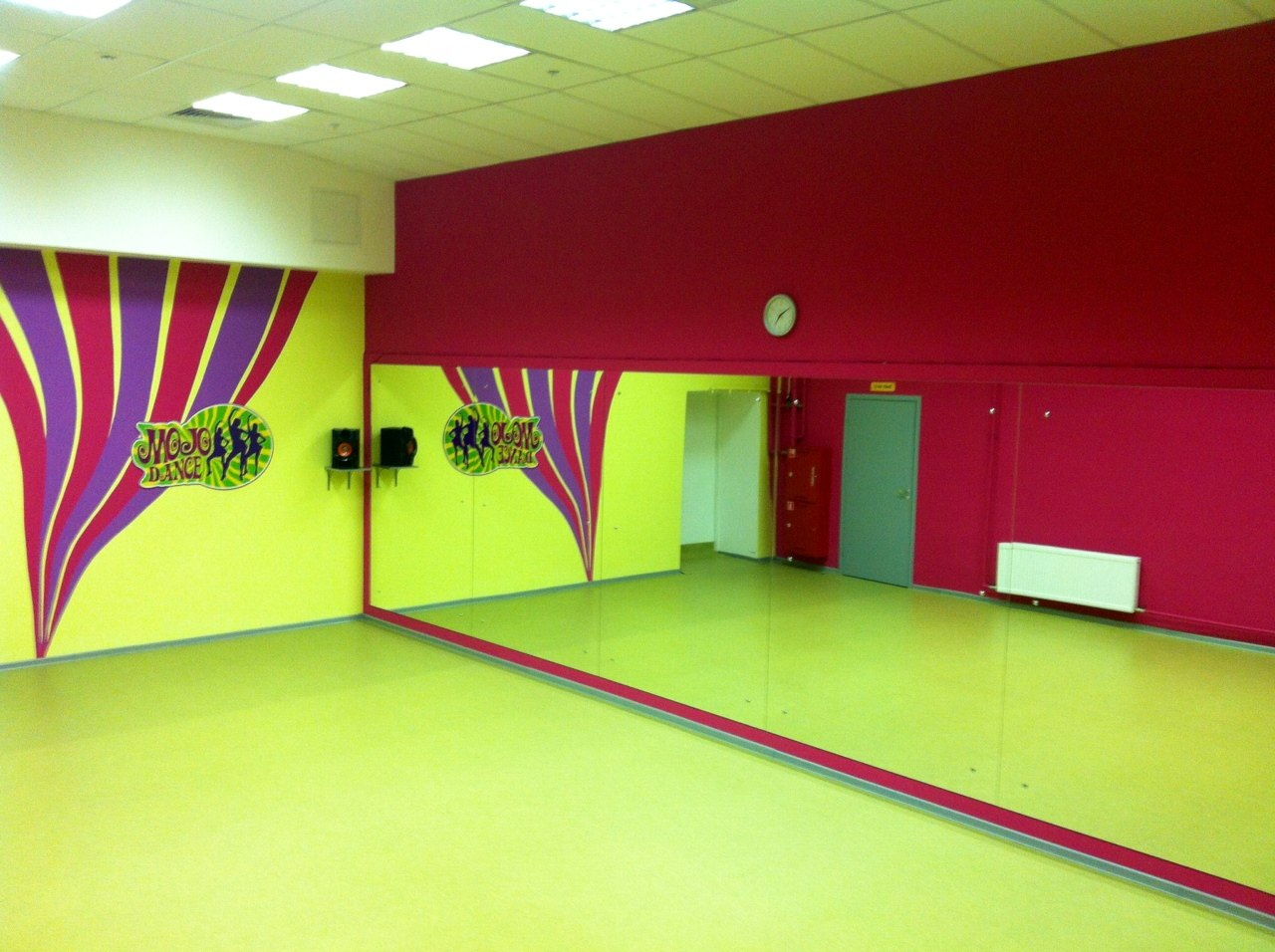 Как украсить танцевальный зал своими руками